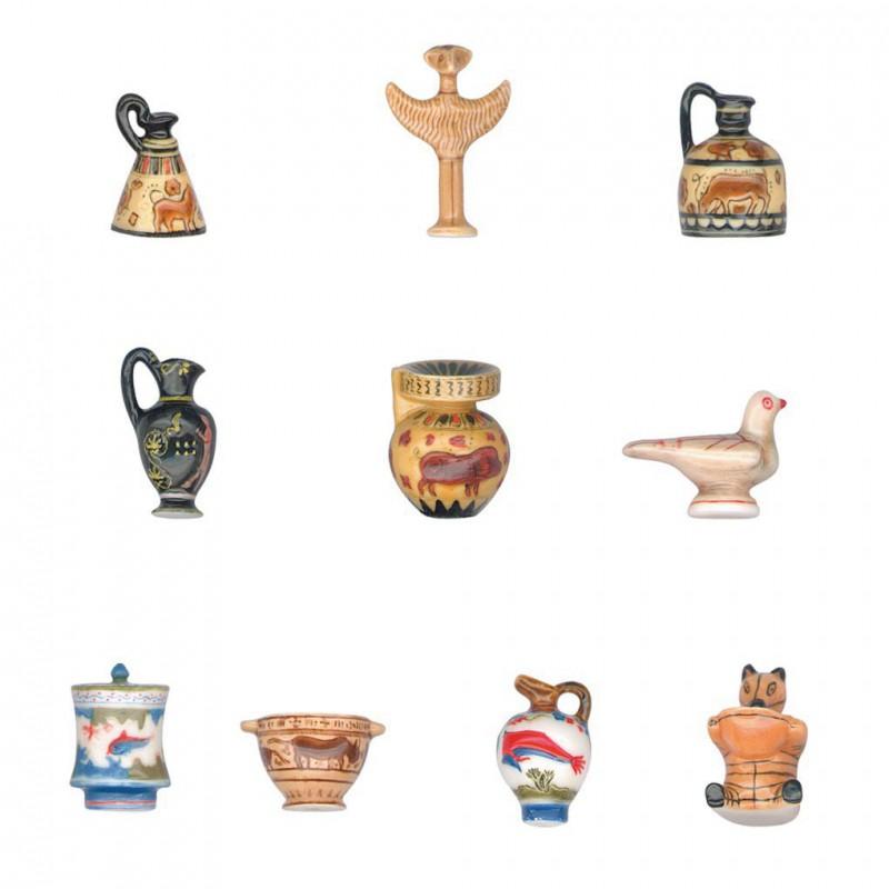 La table romaine - Série complète de 10 fèves mates - Année 2004